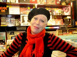 Hazel O'Connor - Coventry Market - Pete Chambers photo